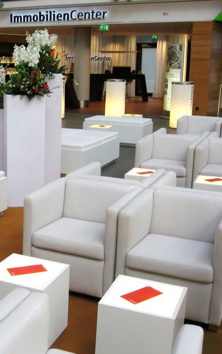 Loungetisch TUUBA quadratisch mit Acrylglasplatte, weiße Festnetzbeleuchtung